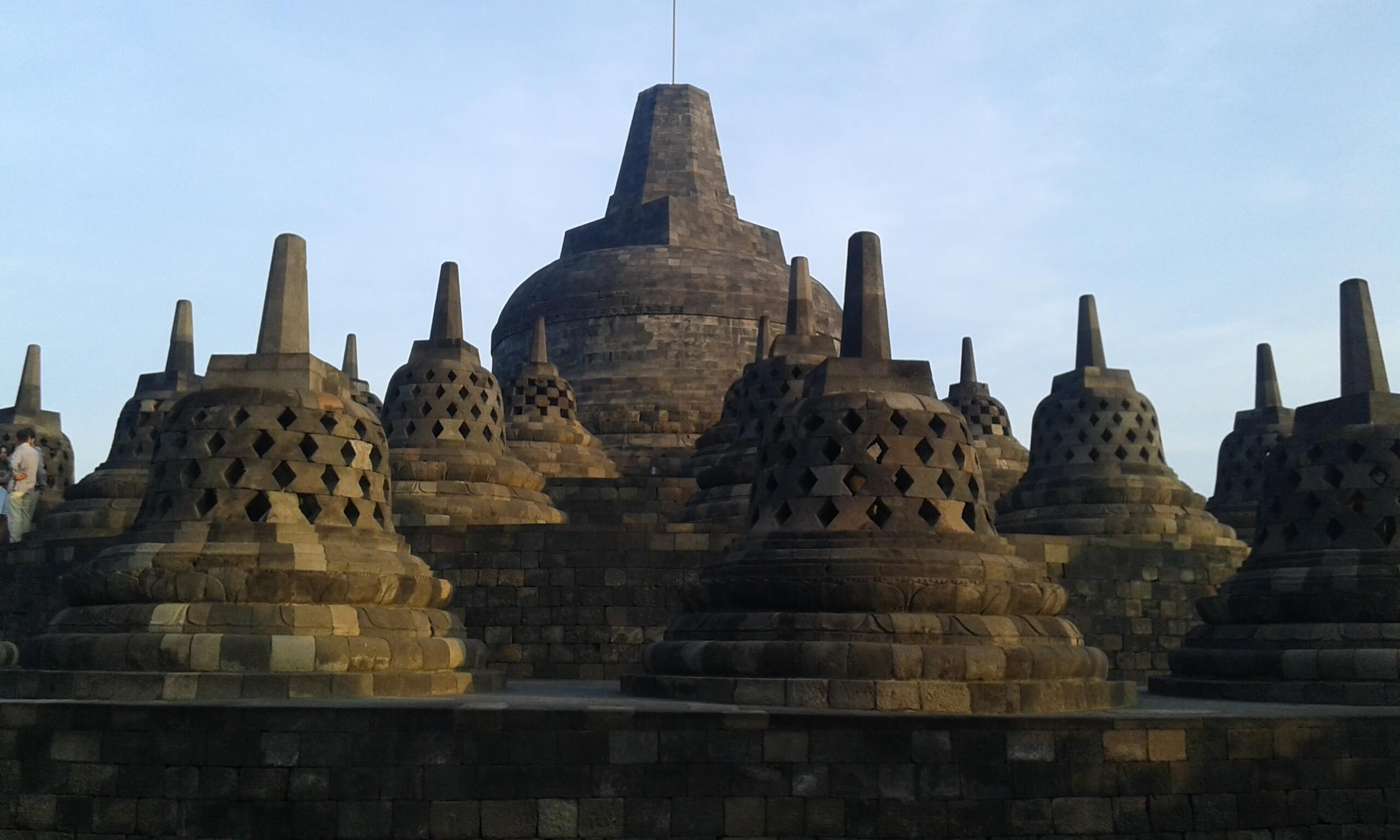 borobudur tour with semarangtour.com