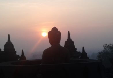 Borobudur Sunrise Tour daily depart from Jogjakarta